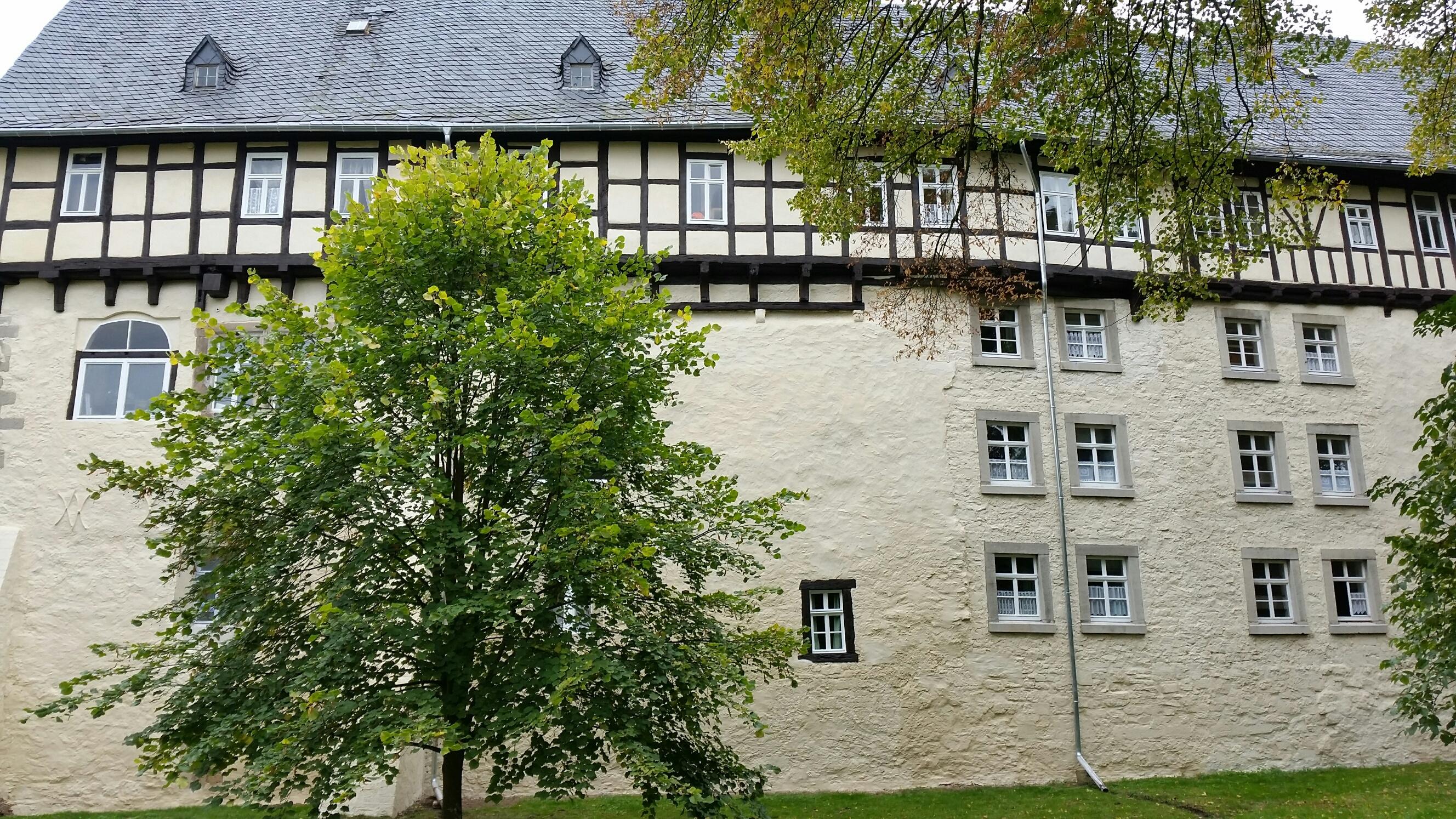 Burg Großfurra.jpg