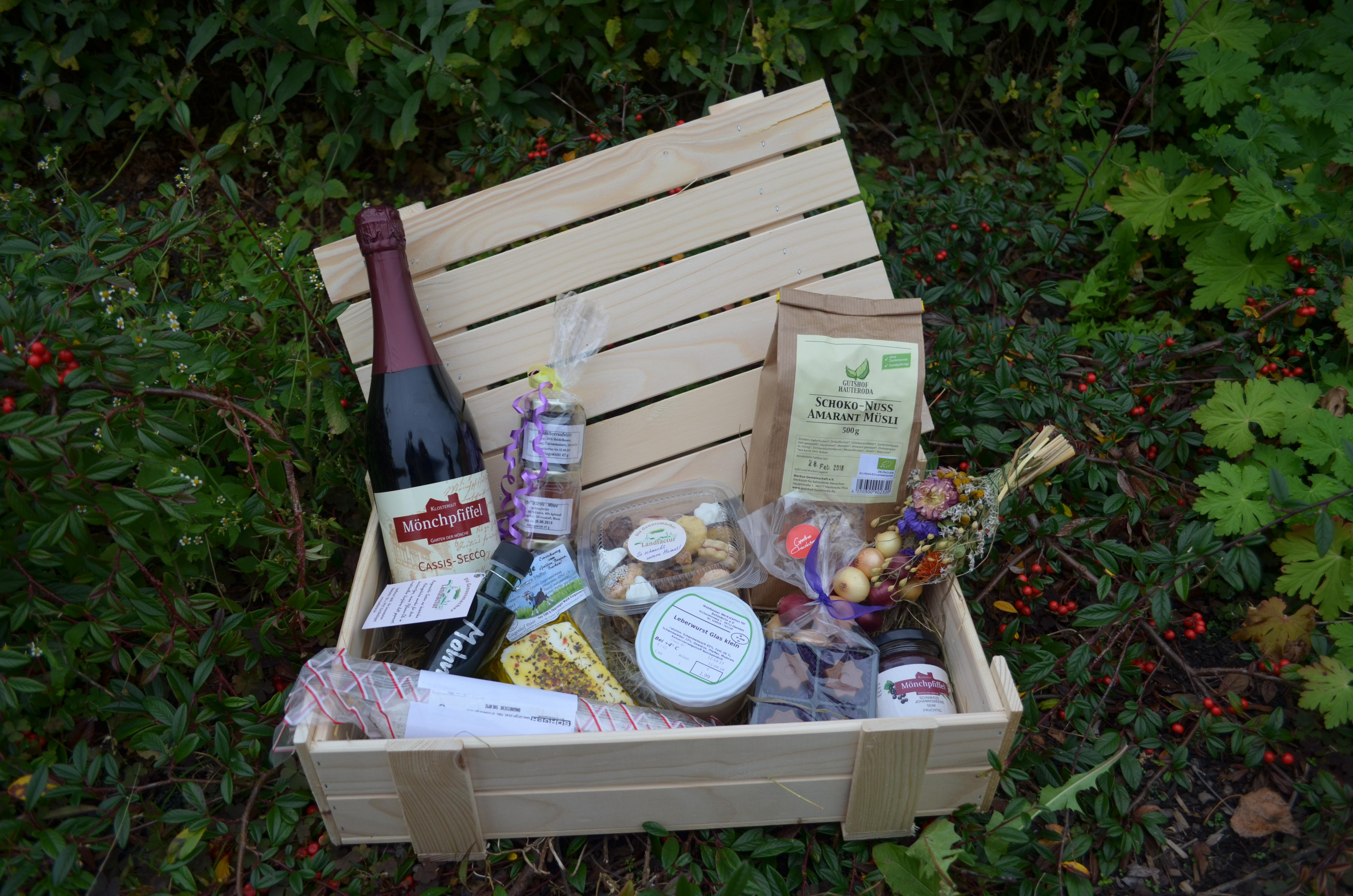 Kiste mit regionalen Kyffhäuser Spezialitäten , Foto: RAG Kyffhäuser e.V.